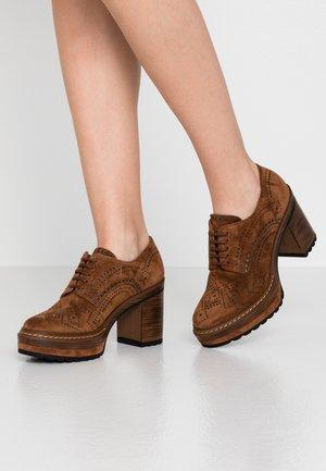 OLIVIA - High heels - cacao