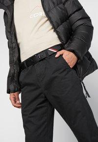 Tommy Hilfiger - DENTON STRIPE - Belt - black - 1