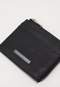 Armani Exchange - CREDIT CARD HOLDER - Monedero - black - 2