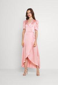Missguided - HIGH LOW PUFF MIDI DRESS  - Maxi dress - blush - 0