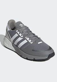 adidas Originals - ZX 1K BOOST SCHUH - Sneakers - grey - 6