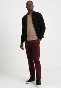 Selected Homme - SLHTOWER CREW NECK  - Jumper - tuffet - 1