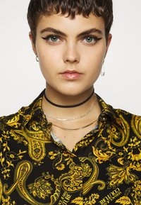Versace Jeans Couture - Button-down blouse - nero - 5