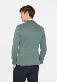 WE Fashion - WE FASHION HERREN-SKINNY-FIT-SAKKO MIT MUSTER - Suit jacket - green - 2