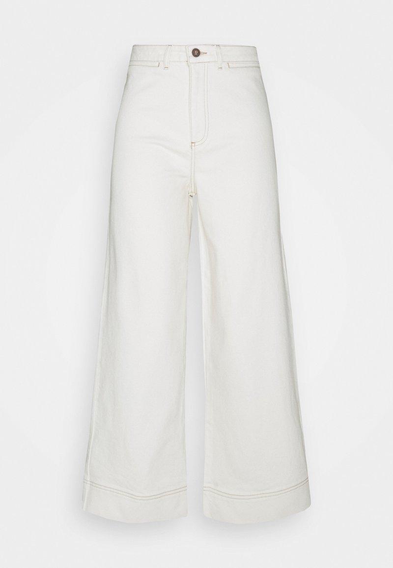 Thought - THOUGHT ECRU CULOTTES - Flared Jeans - ecru white