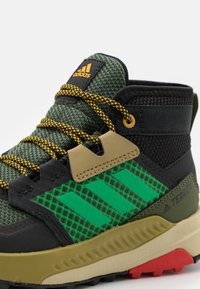 adidas Performance - TERREX TRAILMAKER MID R.RDY UNISEX - Hiking shoes - wild pine/vivid green/vivid red - 5
