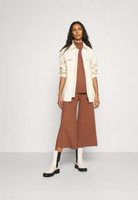 ALIGNE - CAIUS CULOTTES - Trousers - brown - 1