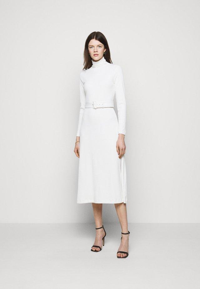 MELISSAH DRESS - Sukienka dzianinowa - cream