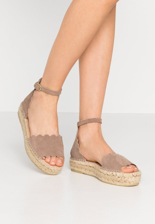 LYON - Espadrillas - sable