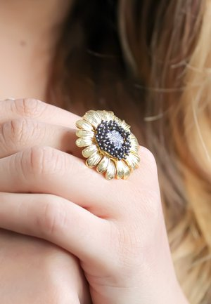 MAY FLOWER  - Anello - gold