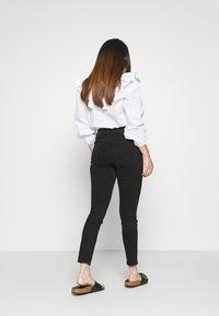 GAP Petite - SAMANTHA - Jeans Skinny Fit - true black - 2