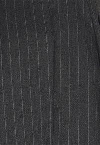 Lovechild - MARIN - Shorts - mottled dark grey - 2