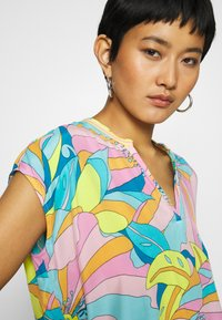 Emily van den Bergh - Bluser - multicolour - 5