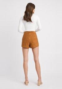 Kookai - Shorts - camel - 2