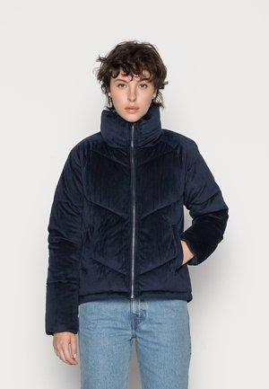 VMDEBBIEHARLIE SHORT JACKET - Winter jacket - navy blazer