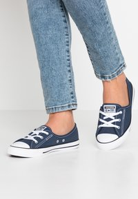 Converse - CHUCK TAYLOR ALL STAR BALLET LACE - Slip-ons - navy/white/black - 0