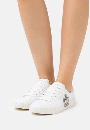CREST PRINT - Sneakers laag - white
