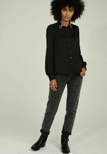 Button-down blouse