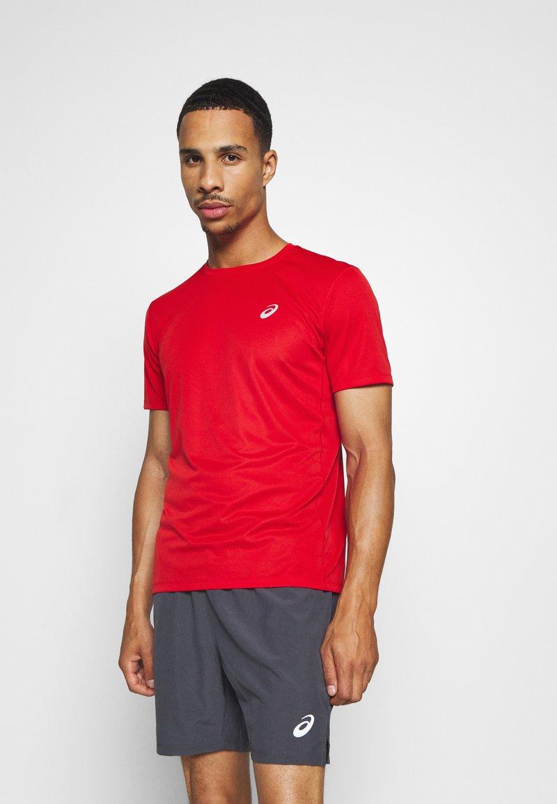 ASICS - KATAKANA  - Print T-shirt - classic red