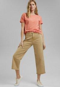 Esprit - PER COO CLOUDY - Basic T-shirt - orange red - 1