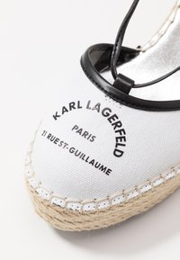 KARL LAGERFELD - KAMINI MID MAISON SLINGBACK - Sandalias de tacón - white - 2