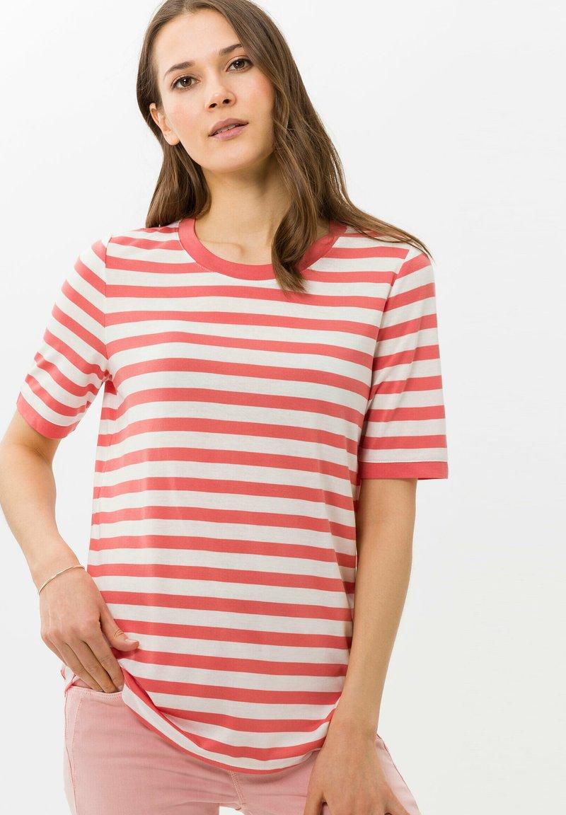 BRAX - STYLE COLETTE - T-shirt imprimé - coral