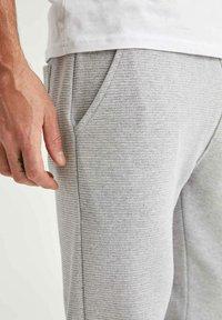 DeFacto - Tracksuit bottoms - grey - 3