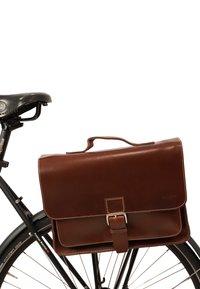 Gusti Leder - BJARNE R - Briefcase - walnut - 6