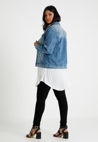 Zizzi - MACCALIA JACKET - Veste en jean - light blue denim - 2