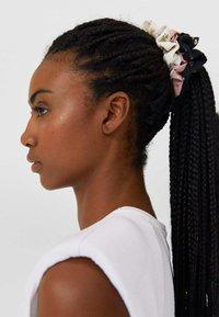 Stradivarius - 3 PACK - Hair styling accessory - black - 0