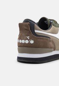 Diadora - OLYMPIA UNISEX - Sneakers - sandal green - 5