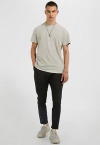 YOUNG POETS SOCIETY - Trousers - black - 1
