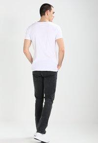 Tigha - MALIK - T-shirt basique - white - 2