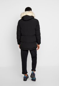 Bellfield - TRIM MOUNTAIN - Talvitakki - black - 2