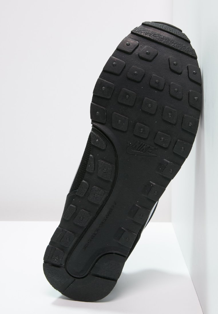 Nike Sportswear MD RUNNER 2 Baskets basses schwarznoir