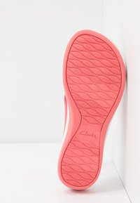 Cloudsteppers by Clarks - ARLA GLISON - T-bar sandals - raspberry - 6