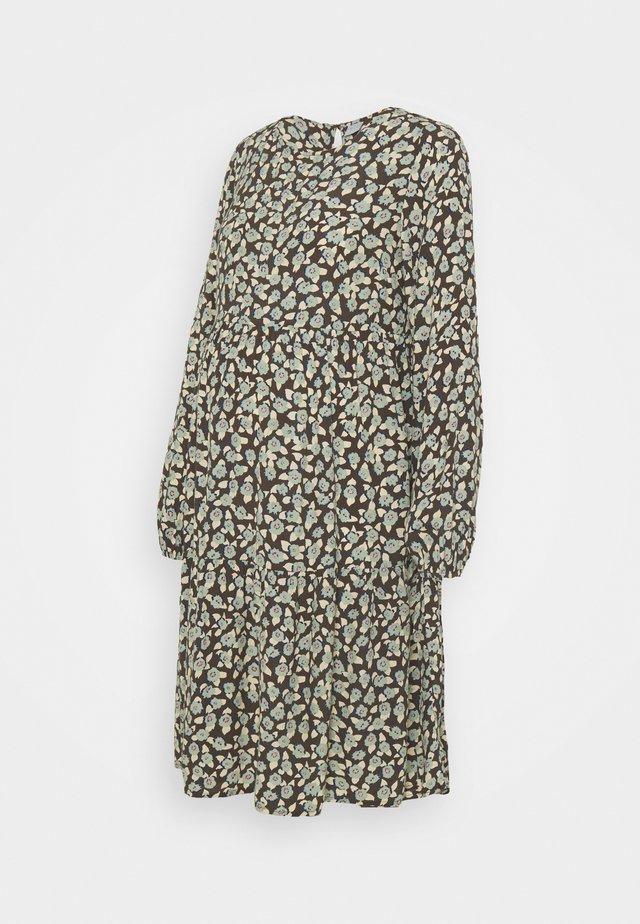 PCMUMISKA DRESS - Denní šaty - black olive/mint green