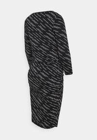 Supermom - DRESS TEXT - Žerzejové šaty - black - 1
