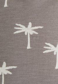 INDICODE JEANS - CHARLTON - Print T-shirt - dark grey - 5