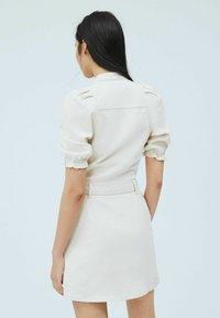 Pepe Jeans - DORY - Shirt dress - blanco off - 2