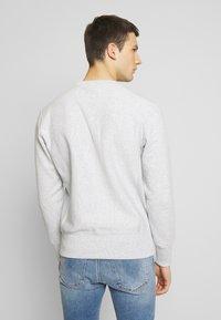 Champion Reverse Weave - BASICS CREWNECK - Sweatshirt - light grey - 2