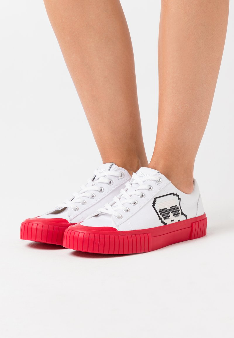 KARL LAGERFELD - KAMPUS PIXEL LACE - Baskets basses - white/red