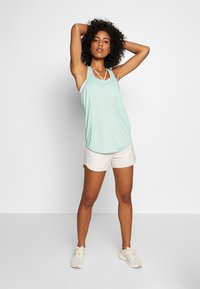 Cotton On Body - TRAINING TANK - Top - aloe washed - 1