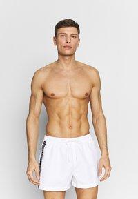 Calvin Klein Swimwear - DRAWSTRING - Plavky - white - 0