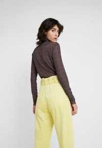 Hofmann Copenhagen - ELISA - Trousers - lemon grass - 4