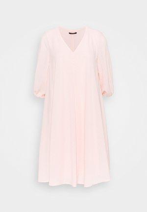 KALATEA ALLURE DRESS - Vapaa-ajan mekko - misty rose