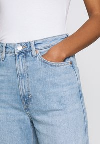 Weekday - ROWE - Jeans Straight Leg - light blue moise - 4