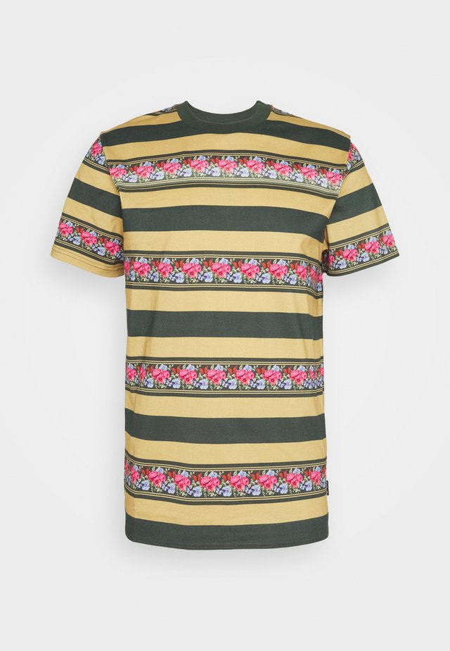 MONARCH STRIPE - T-shirts med print - camel