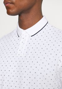 TOM TAILOR DENIM - Polo shirt - white - 4