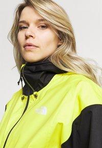 The North Face - FARSIDE JACKET - Veste Hardshell - yellow/black - 3